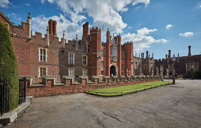 Palace of Henry VIII Holds First Catholic Service in Nearly 500 Years