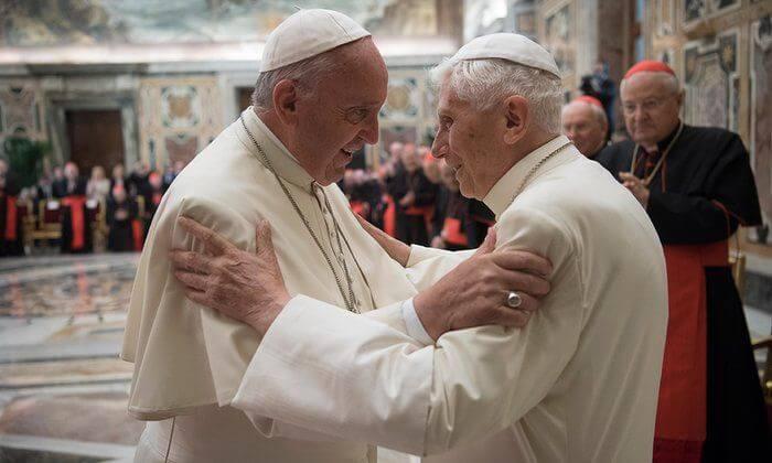 Benedict endorses Pope Francis in unprecedented Vatican ceremony